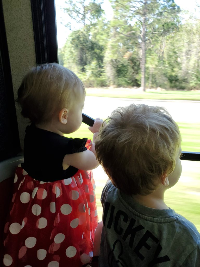 toddlers on the WDW bus