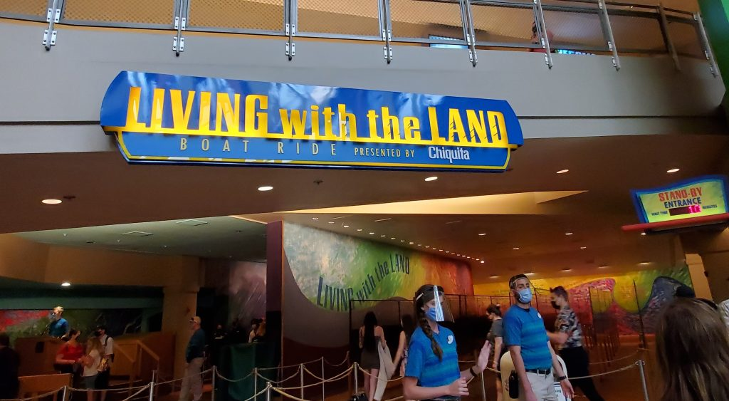 Living with the Land que